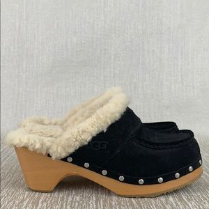 👑 UGG BLACK CLOGS 💯AUTHENTIC